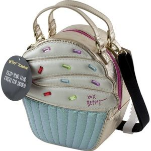 New 🧁Betsy Johnson Thermal Lunch Bag